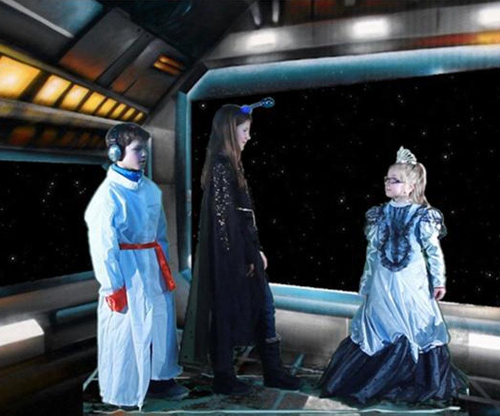 3 jeunes personnages en plein tournage d'une scène.