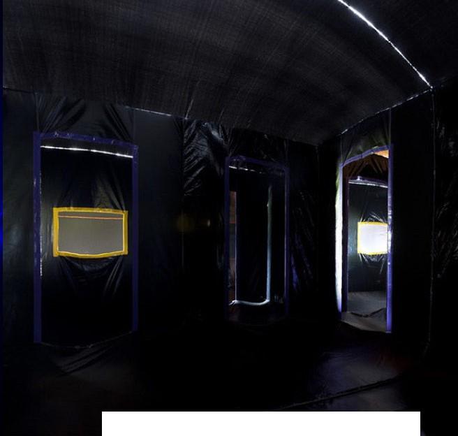 Le laser tag est un jeu qui se déroule dans l'obscurité