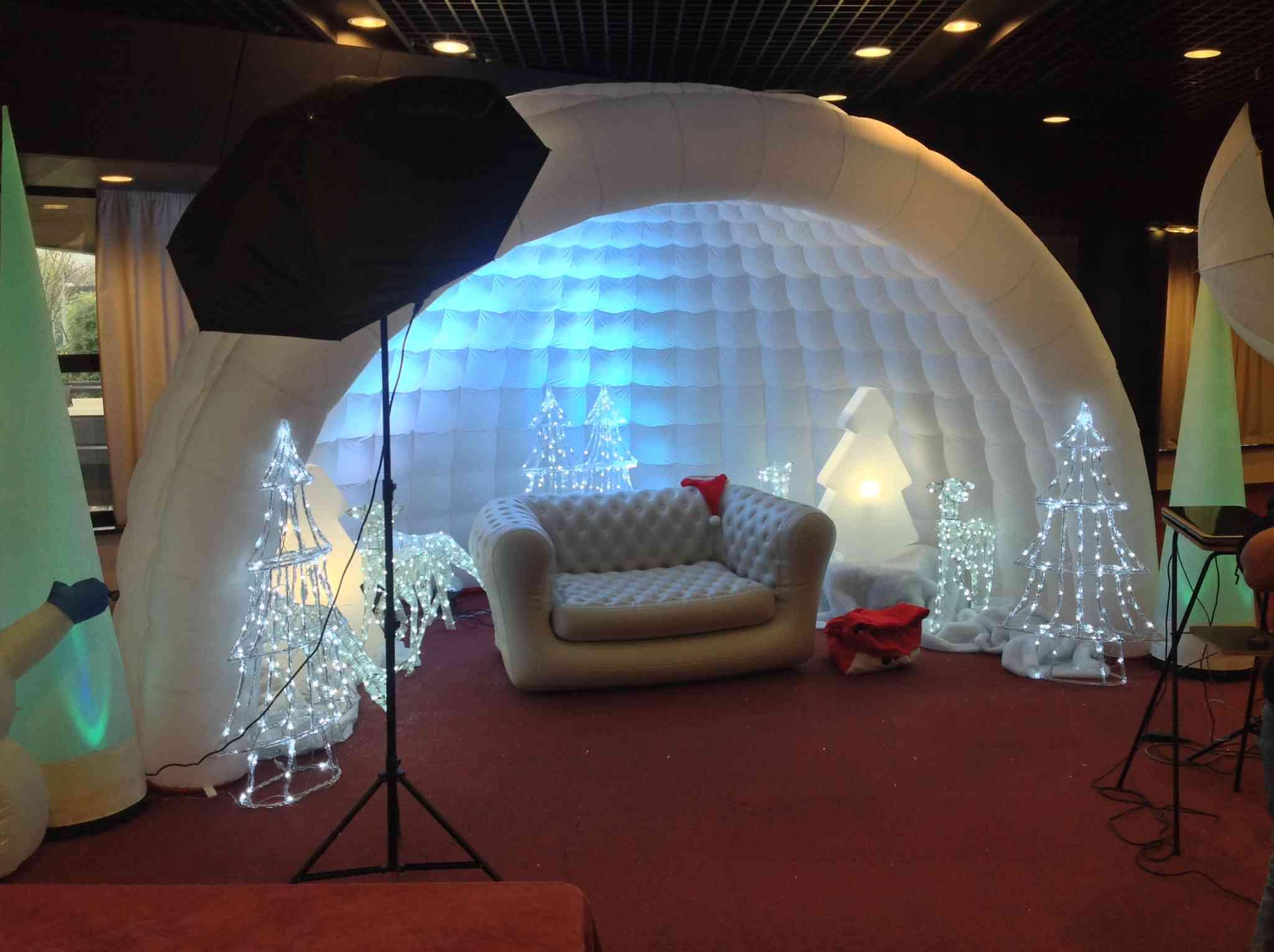 Magnifique igloo en gonflable pour le décor de Noel