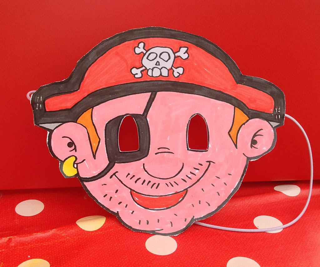 Un masque de pirate décoré par les enfants