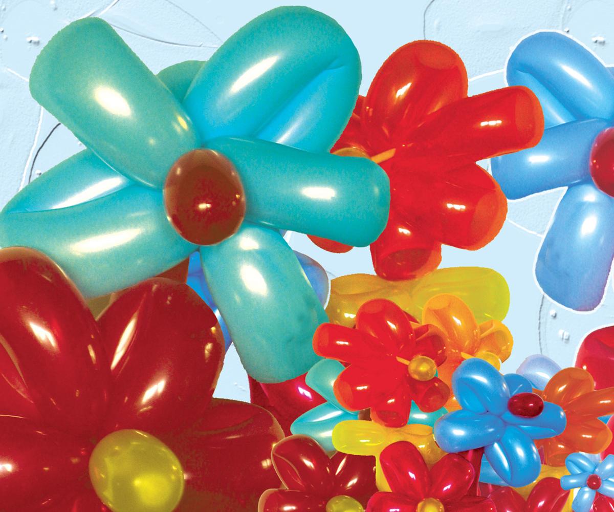 De jolies fleurs sculptées en ballon de baudruche