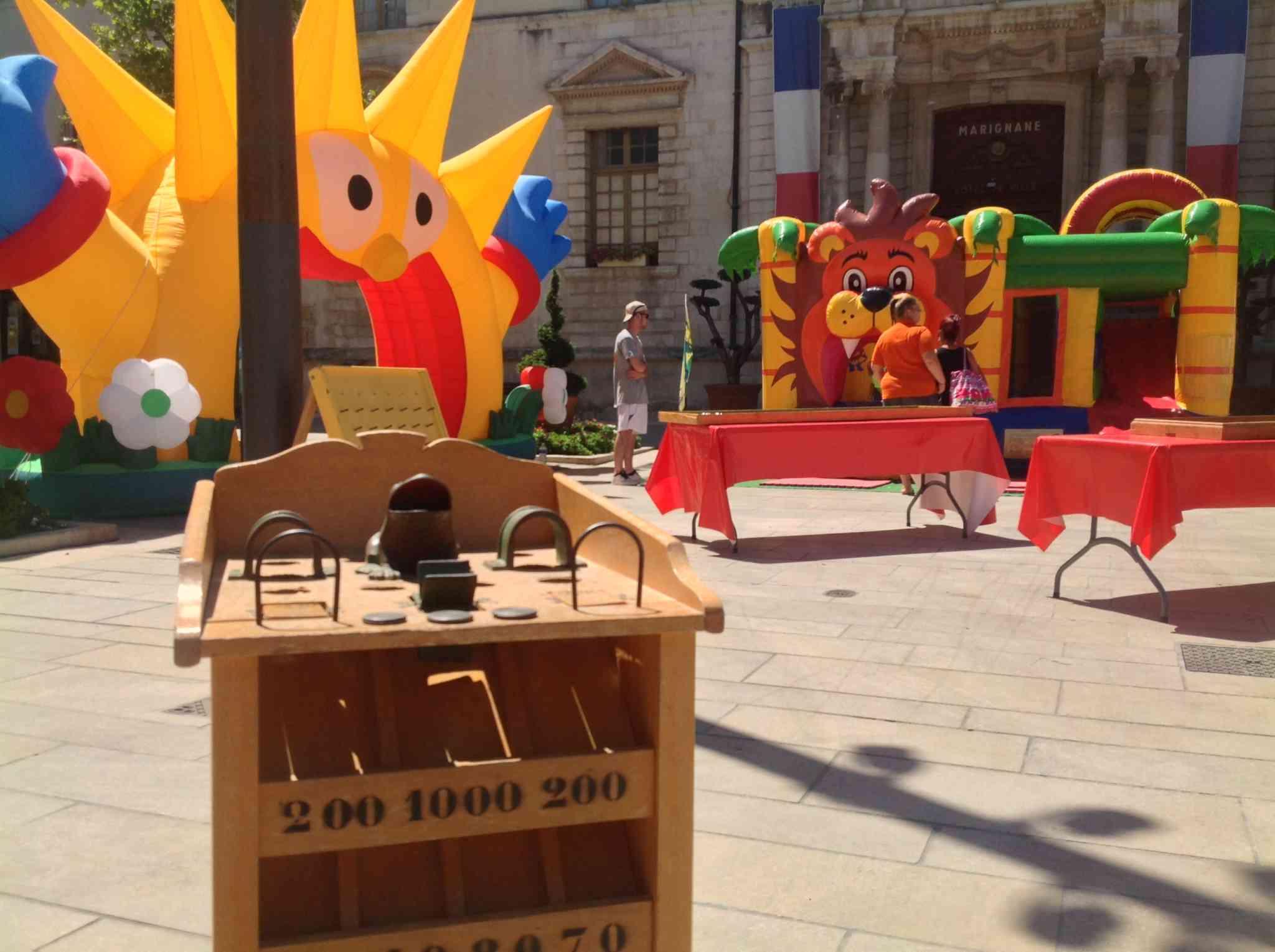 Des jeux en bois de toutes les tailles pour adultes et enfants